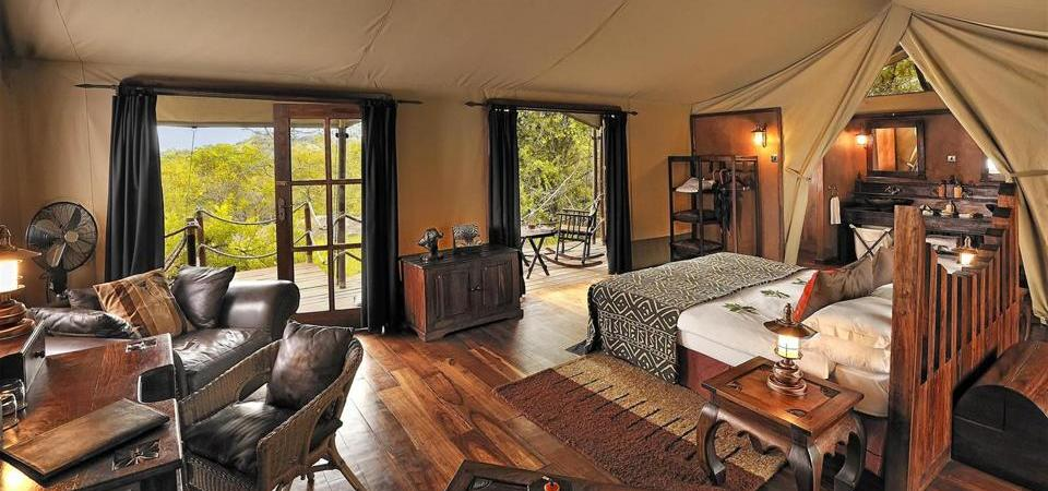 Serengeti Migration camp bedroom interior