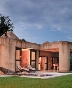 Sabi Sabi Earth Lodge Amber Suite