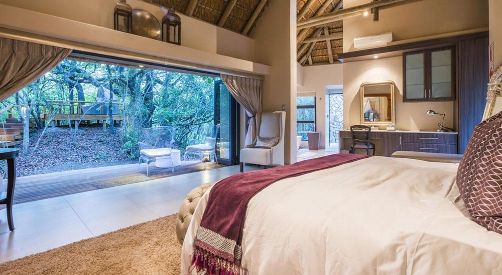 Am Lodge Room